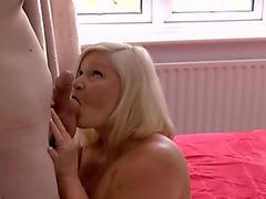 Wife without hubby cheating in hotel