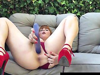 Horny girl gives bj and fuck at her bf