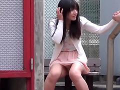 Japanese newbie peeing