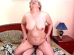 Sapphy the slag gets a creampie from a cam fr