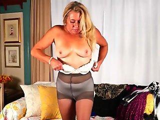 American gilf Cristine needs masturbation for starters