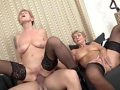 Slim Legal Age Teenager Anita Pearl Shows And Fingers Her Juicy Pussy
