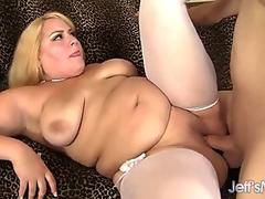 Mariana Cordoba - Ploughing Ass