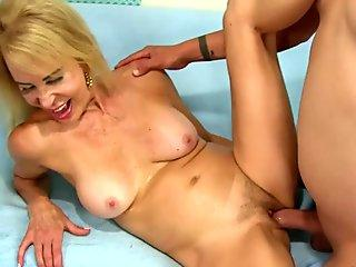 Insatiable Teen Roxy Dee Fucks and Squirts Her Way to an Anal Creampie