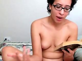 REAL NERD READING BOOK NAKED ON CAMS