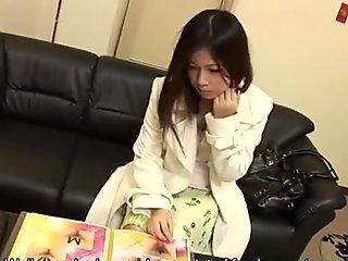 Hot Yuki Kawamoto gets a nice pussy treatment