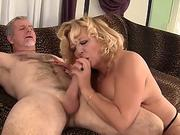Sexy ebony money girl doggystyle fuck