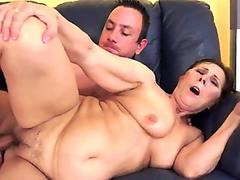 Lanky amateur masturbating solo with feet in the air