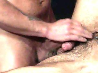 la donna italiana alle prese con un cazzo gigantesco nel culo