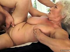 Glossy bitch shows herself sex tubes