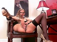 This babe's hot twat needs tweaking... watch her pleasure her pussy