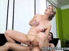 Nerdy slut Serena Taylor plays with a meaty cock in her warm mouth