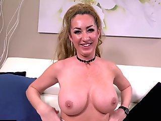Summer Hart Lesbian Webcam
