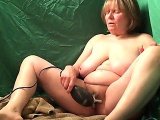 Spectacular milf banged in her appetizing pinkish vulva