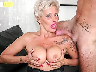 Slim4k - This babe Megan Venturi looks young, sweet and beautiful but she s not innocent