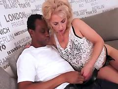 Big round booty girl fucked in doggystyle (cunnilingus orgasm)