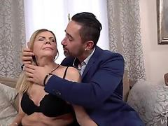 Eating pussy & fingering her ass