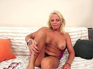 European mature beauty gets assfucked by bbc