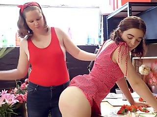 Petite Lily and chubby Sarah fingers pussy