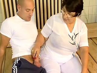 Pregnant hentai bigboobs driving car and fuck