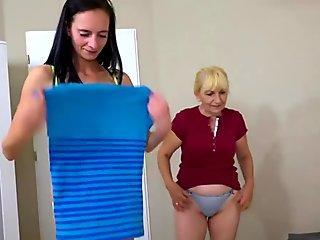 Solo gal, Kecy Hill masturbates with a vibrator, in 4K