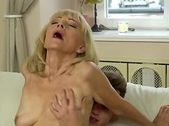 Free Step-Mom Giving The Step-Daughter Sex Tips.5.wmv