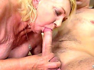 Couple makes their first sextape
