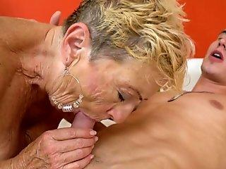 Dude cums on his face and licks off all his cum