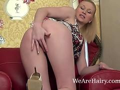 Tegan Jane doesn't like to cover her hairy muff