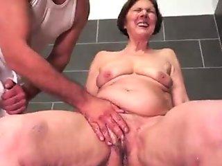 Brazilian Beauty Luna Eats Massive Loads of Cum - Bukkake.xxx