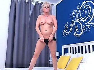 Free download nude men masturbating photos