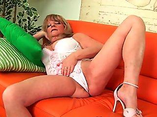 Wonderful solo teen enjoys below sexy curves long lower limbs fine ass and scorching wet pussy for your joy