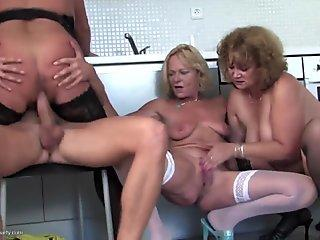 Flawless Teen Sofy Soul Experiences Anal Pleasure for the First Time