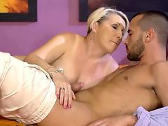 Massive Boobs BBW Lexxxi Luxe Gets Fucked