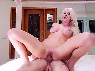 Perfect and big chocolate cock fuck hot woman in hotel bedroom