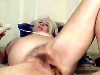 Skinny twinks have an ass banging threeway with cumshots