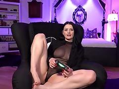 Cassie Young gets a load of cum on her warm mouth