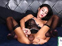 Busty lesbian love and pussy smoking