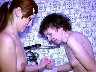 OldNannY Grandma is Having Fun in the Bathroom