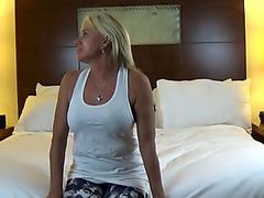 Payton Hall Yoga trousers & Face Sitting