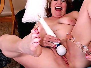 Mature women splattering Self pound