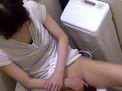 Japanese babe toys cunt