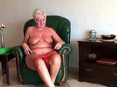 3Some sex massage with breasty milfs